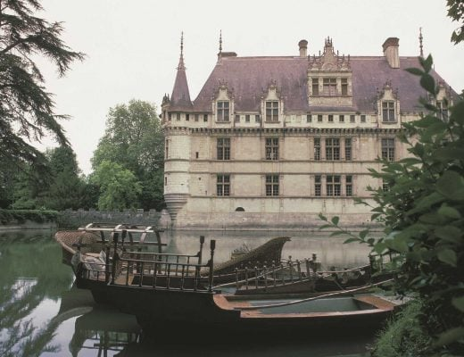 Top 20 Most Beautiful and Famous Castles in France